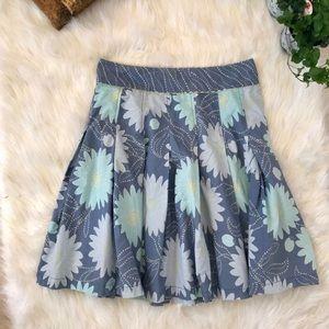 Liz Claiborne pleated blue floral skirt size 6